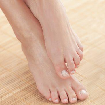 ส้นเท้าแตก, สาเหตุ อาการ และวิธีแก้